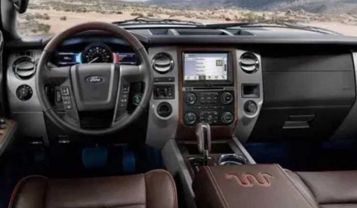 2020 Ford Excursion Diesel Interior