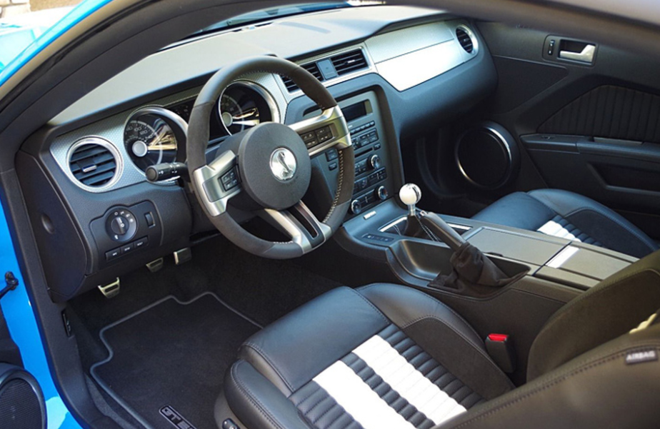2022 Ford Shelby GT500 Interior